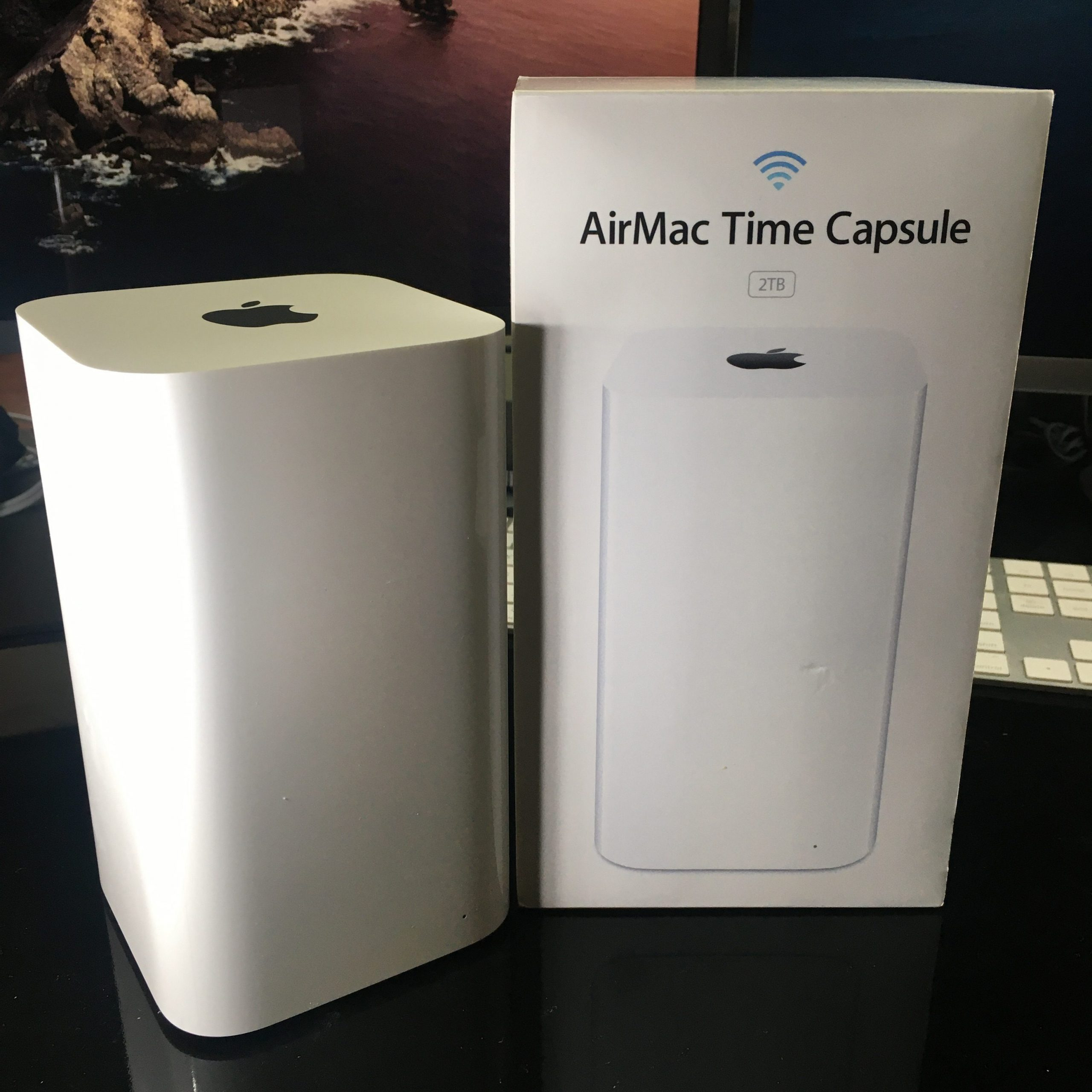 Apple Airport Time Capsule 2TB 01 rotated 1 scaled